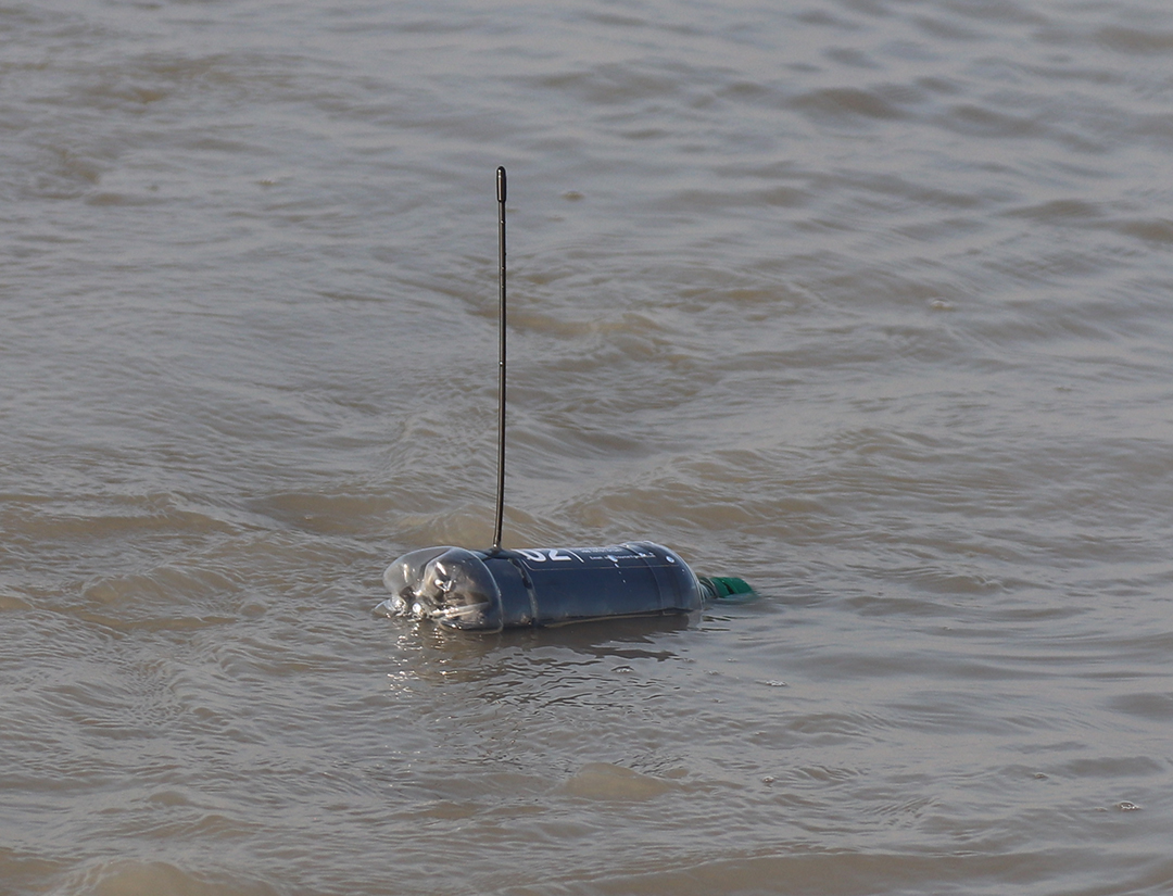 Tracking plastic with open source Argos satellite tags